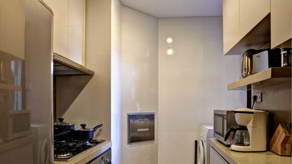 service apartments in singapore for a week stay with fully equipped kitchen